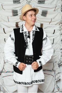 Costum popular barbat campie cu vesta