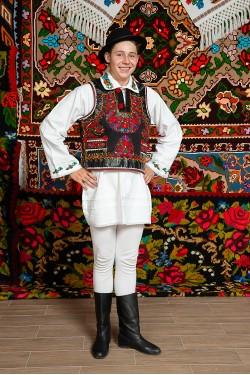 Costum popular barbat George