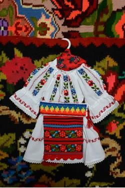 Costum traditional popular fata Somes botez
