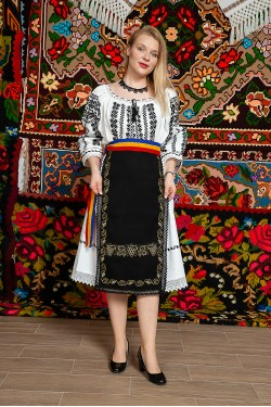 Costum popular femeie Cununa Transilvana