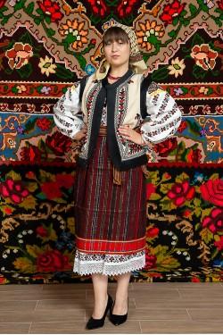 Costum popular femeie  cu pieptar – Letitia