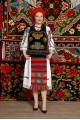 Costum popular femeie - Somes cu pene si pieptar infundat cu margele