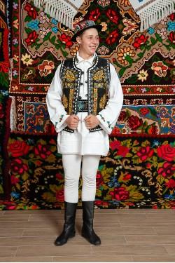 Costum popular barbat Vasile cu clop