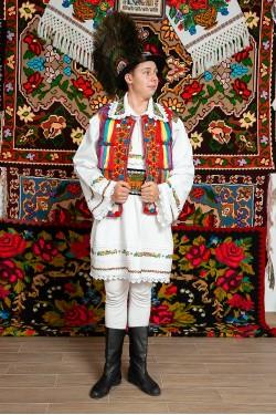 Costum popular barbat Salauta cu margele