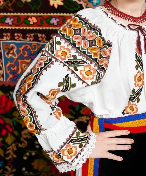 Costum popular femeie Deda