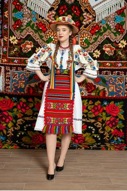 Costum popular femeie - Garofita