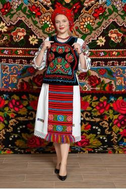 Costum popular femeie Somes cu pene si pieptar infundat